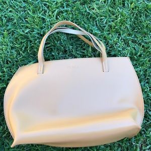 Furla leather handbag (tan/beige)